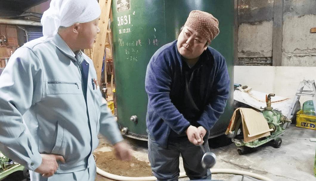 和田龍酒造の和田さん(写真左)と長野銘醸の杜氏・若林さん