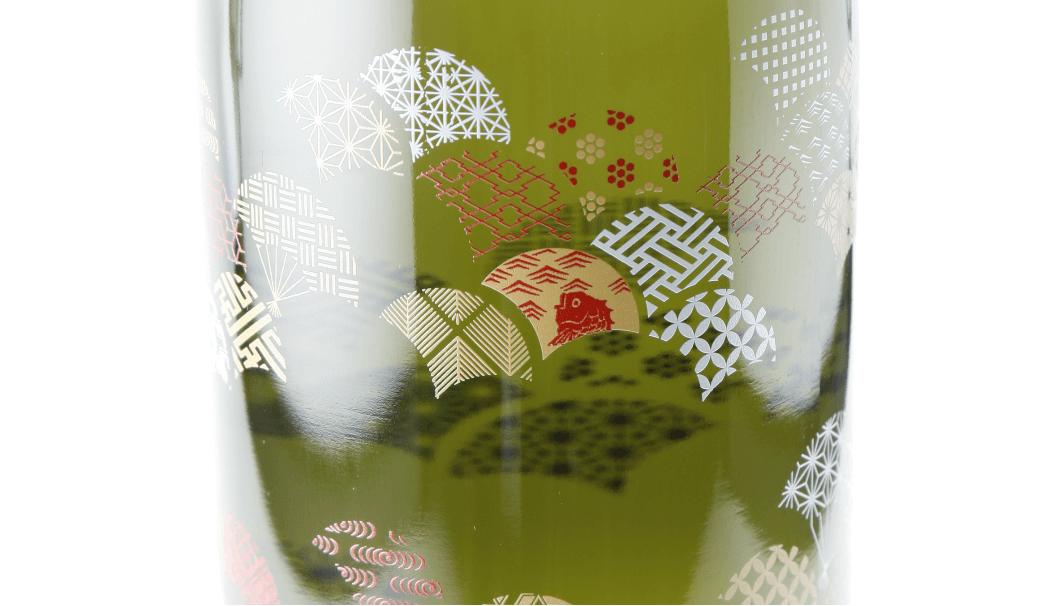 東洋ガラスオリジナルブランド「衣玻璃」のボトル