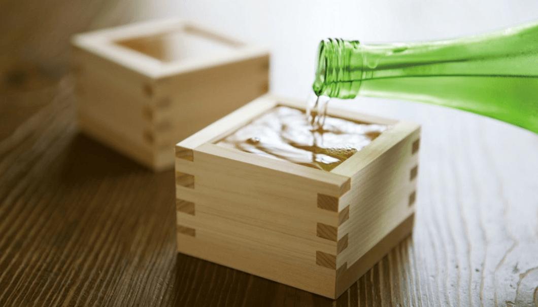 枡と日本酒