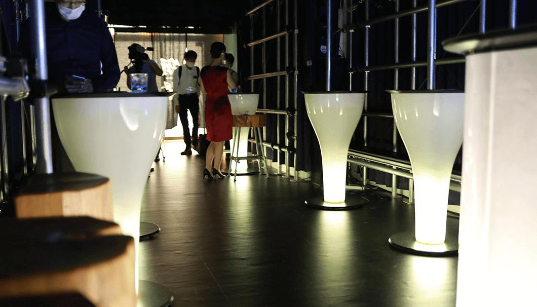 獺祭バー テーブル
