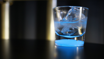 獺祭バー 光るグラス