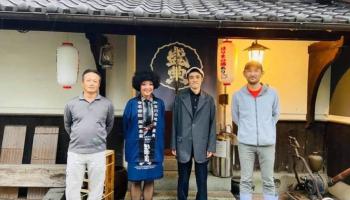 左から米田杜氏、山崎小夜子、湊洋志、岡田洋一社長