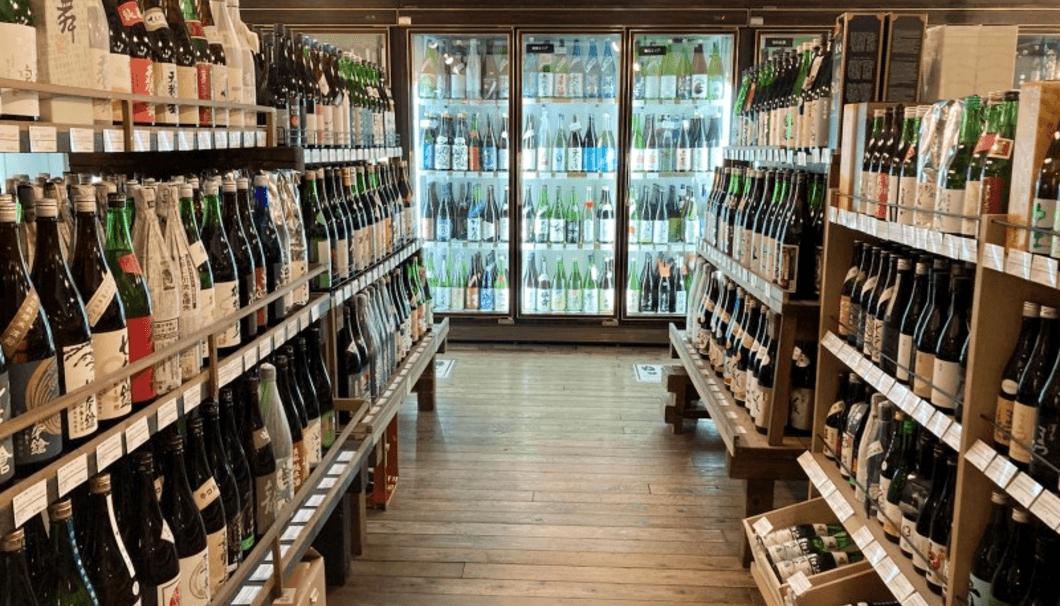 Imadeya本店の和酒売り場