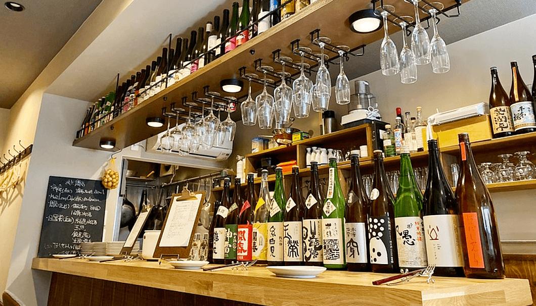 「旬菜バル kansichi」のカウンター