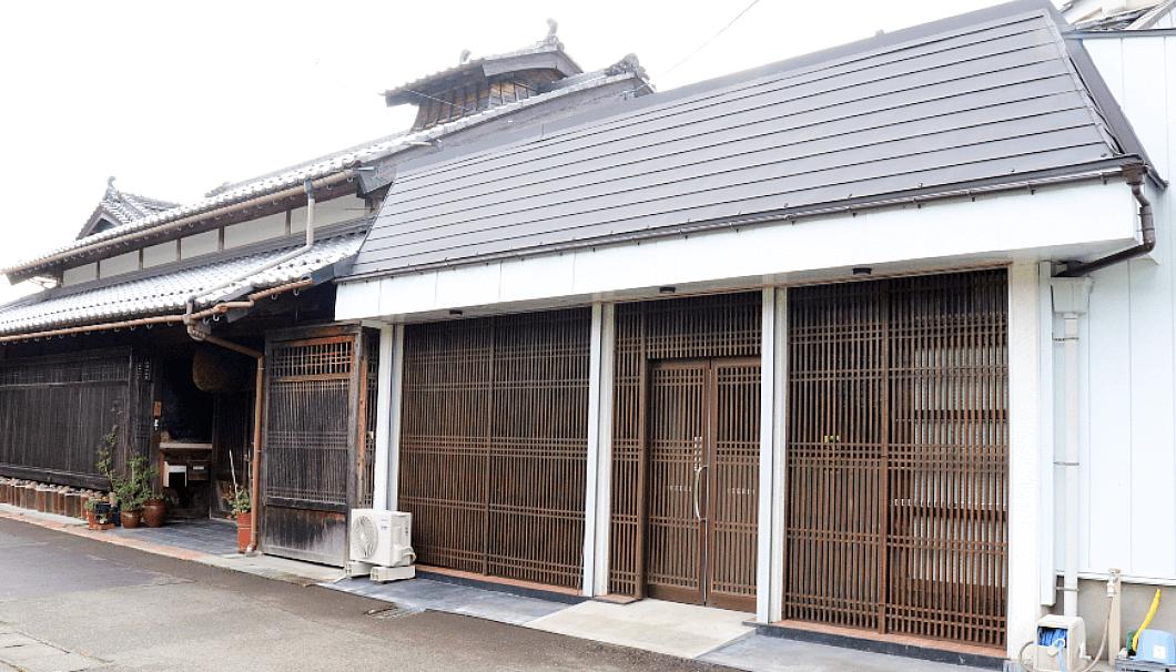 小浜酒造の蔵外観